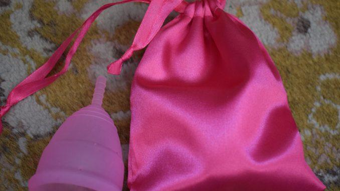 cupa menstruala cadou